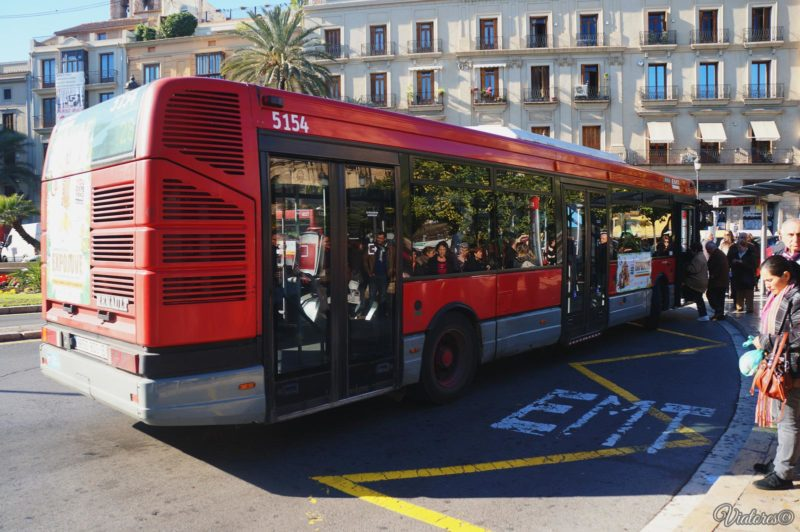 How to get to the city centre from Valencia airport