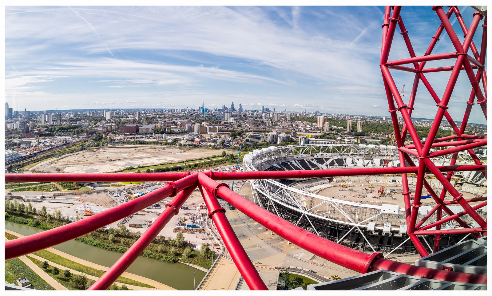 The view from the «ArcelorMittal Orbit». London. England